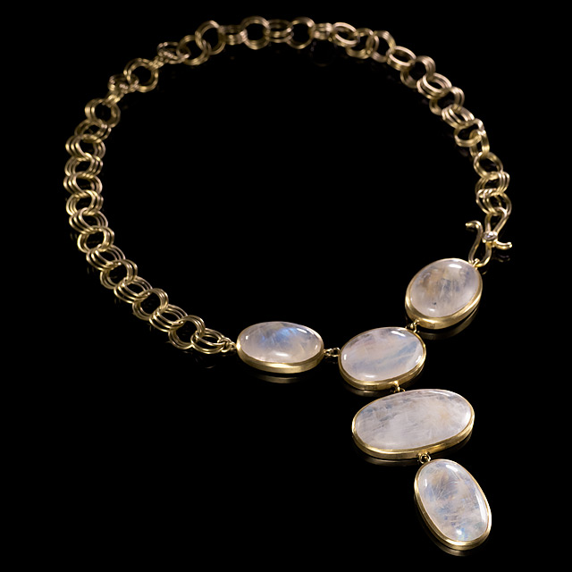 LFrank Moonstone Cabochon Gold Necklace with Diamond Clasp